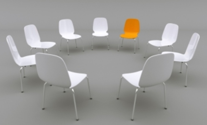 Large_focus-group-chairs-in-circle